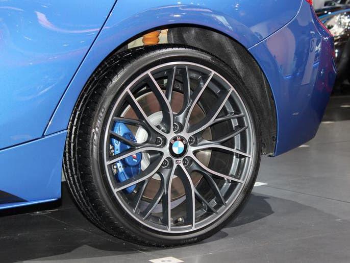 1dd0a9b3 522a 4986 a682 8a15593508b6 4x3 690x515 صور ابرز السيارات فى معرض دبي  الدولي للسيارات 2013 فى عامه ال12