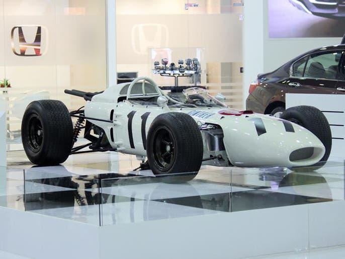 676597d8 fcf1 46ec b5e4 4402d6546e23 4x3 690x515 صور ابرز السيارات فى معرض دبي  الدولي للسيارات 2013 فى عامه ال12