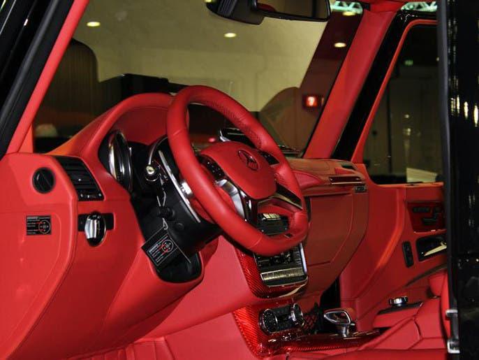 dc3119d8 c770 4307 a491 75a25ddc4a23 4x3 690x515 صور ابرز السيارات فى معرض دبي  الدولي للسيارات 2013 فى عامه ال12