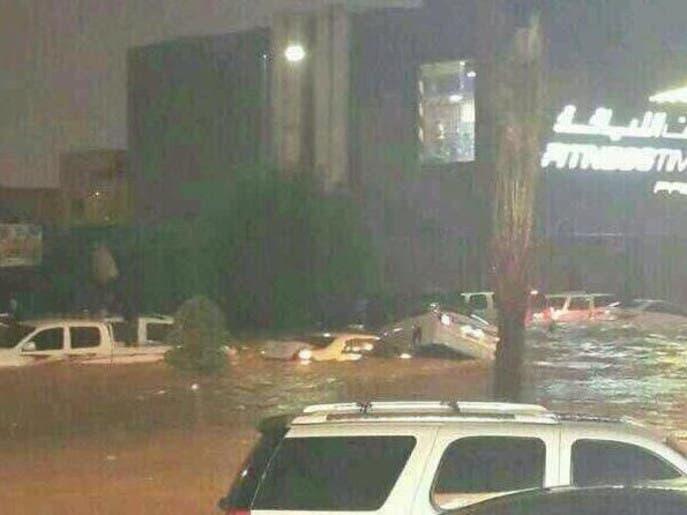 c05ecd28 829a 47ca 8734 b812d9d45546 4x3 690x515 فيديو و صور امطار وسيول السعودية اليوم نوفمبر 2013