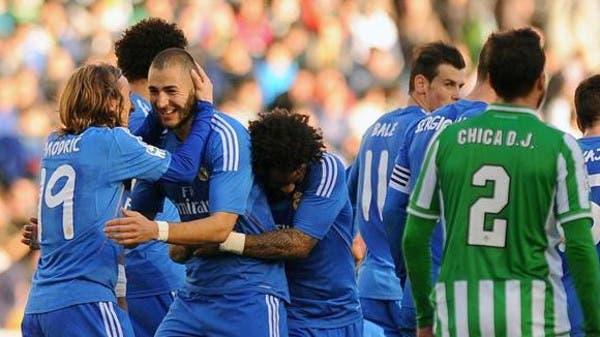 ريال مدريد يكتسح بيتيس.. ويشارك