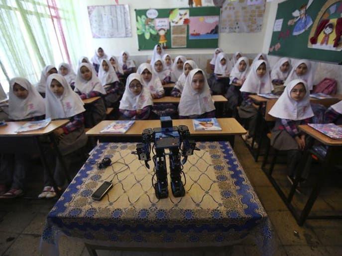 مدرس إيراني يبتكر روبوت يعلم الأطفال الصلاة 1e433fdf-4ad5-4226-9df9-72ed37e2ac98_4x3_690x515