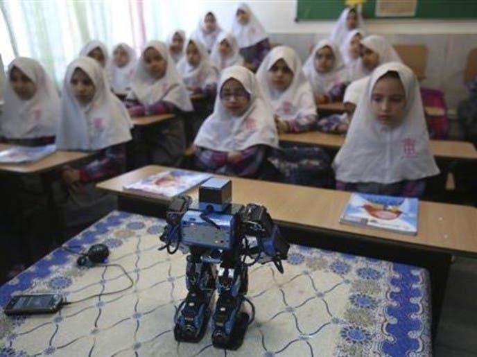 مدرس إيراني يبتكر روبوت يعلم الأطفال الصلاة 70310bdc-0ea9-437b-8e99-af4361526c55_4x3_690x515