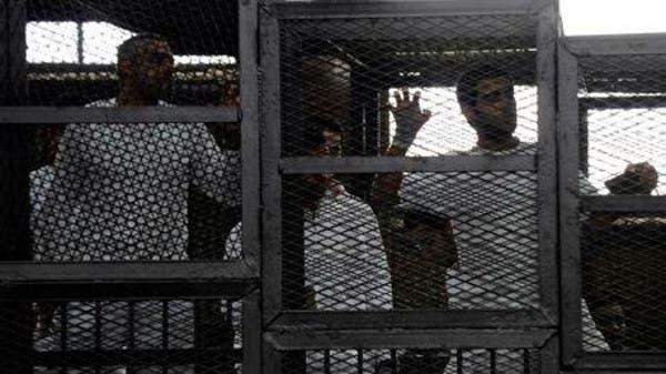 قاض حديد: سجن سارق عباءة امرأة 30 عاماً وإعدام 529