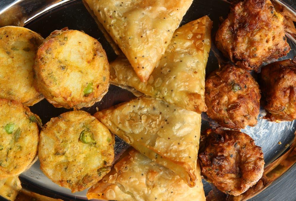 Ramadan recipes enjoy hot crunchy traditional indian pakoras ramadan recipes enjoy hot crunchy traditional indian pakoras forumfinder Gallery