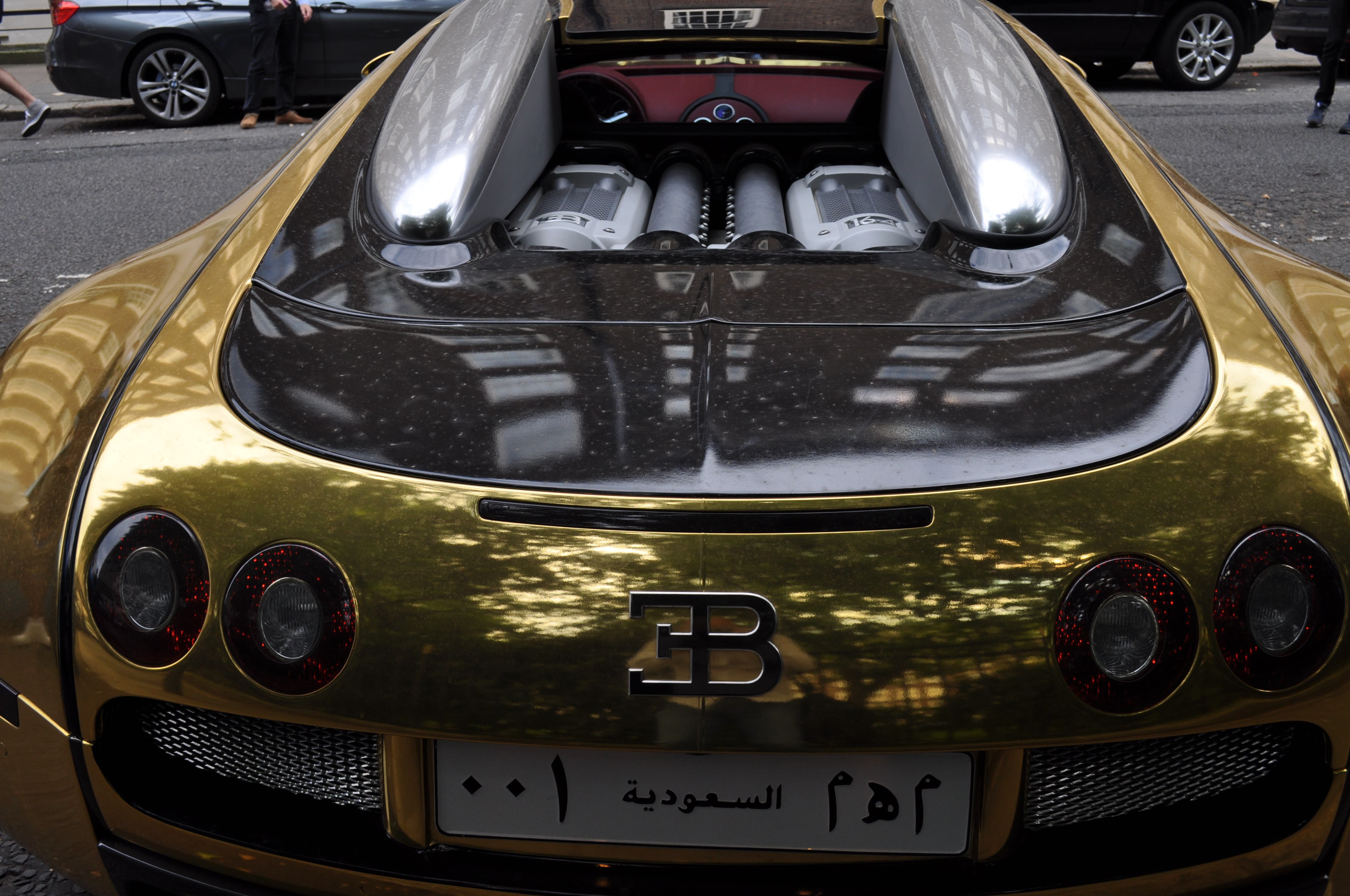 ramadan rush hour as supercars hit london streets for eid al arabiya english