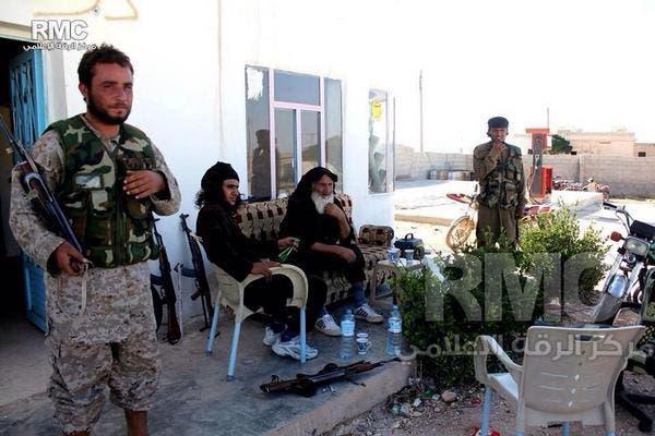 عالمي داعش عناصره داخل مدينة كوباني 03985b8d-5b01-4804-b