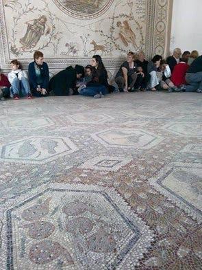 تونس.. قتيلا جريحا هجوم متحف 422ae32c-a791-423b-b0b9-0ec1dfeb6f1c.jpg