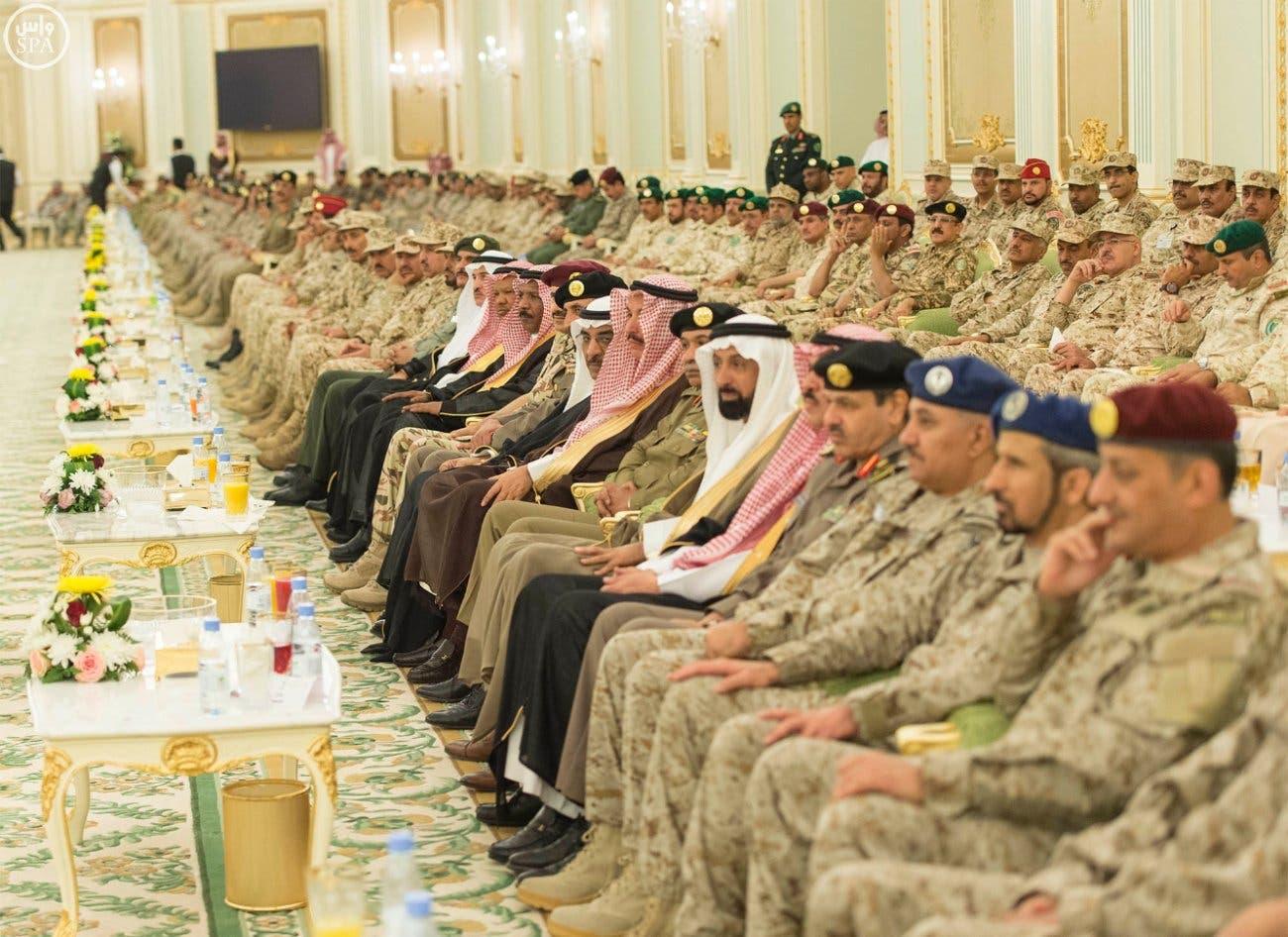 #الملك_سلمان يستقبل قادة وكبار الضباط العسكريين C4f06e1c-f998-4237-94f4-fc8417bd68e6