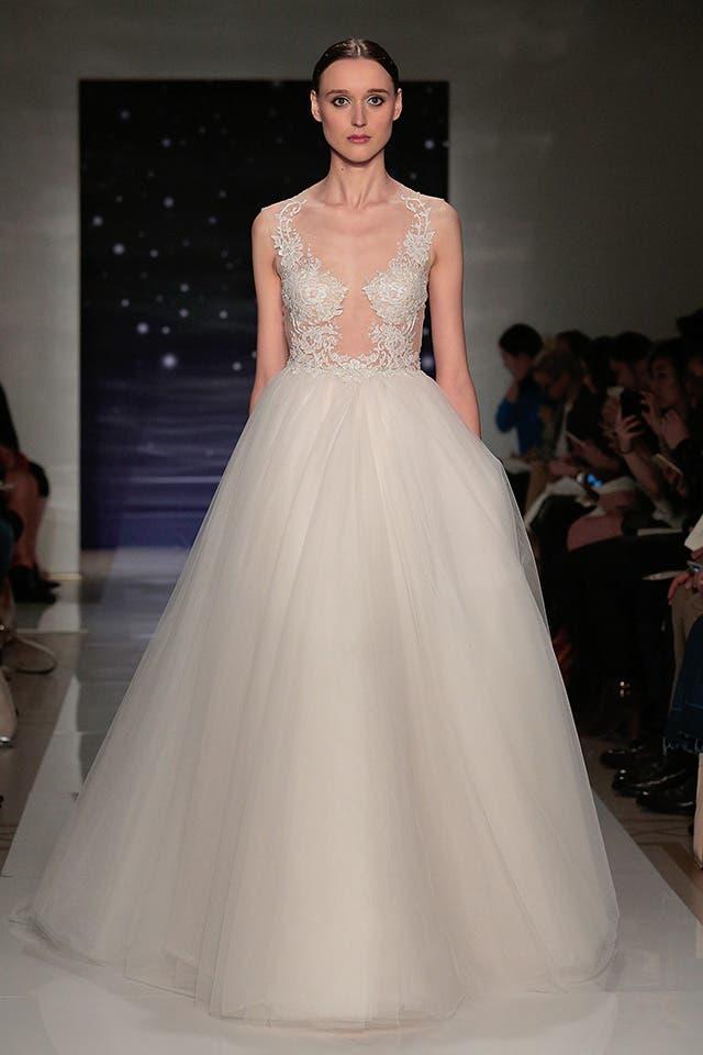 أزياء الزفاف عكرا لربيع وصيف