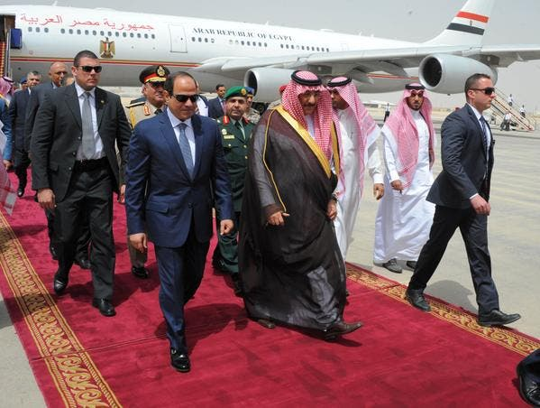 الملك سلمان يلتقي عبدالفتاح السيسي في #قصر_العوجا Ca932008-3eba-4a83-9eef-23857e8e9f1b