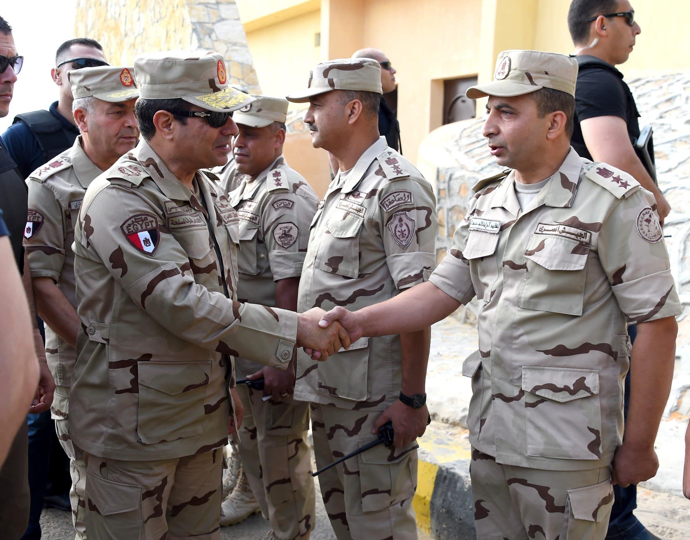السيسي بالزي العسكري في شمال سيناء بعد الهجمات 595686ed-589b-4c7a-85fa-37faeb63a187