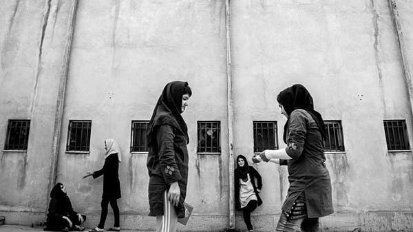 بالصور: فتيات قاصرات ينتظرن الإعدام في إيران.. والعالم صامت