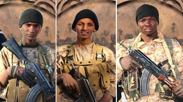 من اليمين، أحمد البوقلي الأنصاري والبتار الأنصاري وأحمد الفلاني الأنصاري