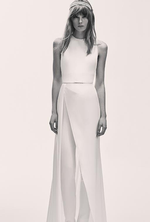 مجموعة أزياء جاهزة للعرائس المصمم