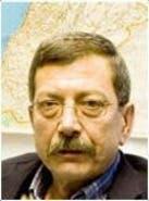 كاتب لبناني