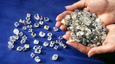 توقيف مسافر في باريس يخفي 800 غرام من الماس في سرواله