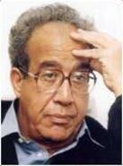 أكاديمي وخبير إقتصادي مصري وأستاذ مادة الإقتصاد بالجامعة الأمريكية بالقاهرة وله عدة مؤلفات