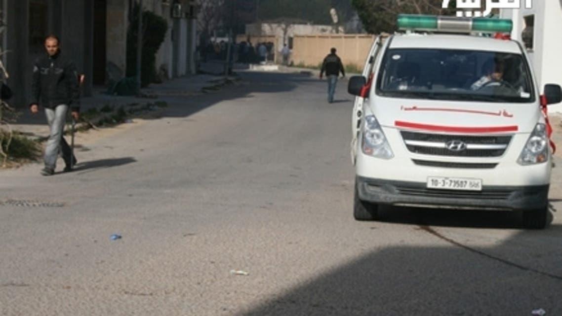 أحد شوارع مصراتة ويبدو خالياً من المارة