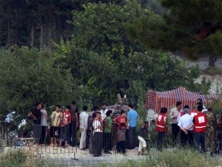 نازحون سوريون من إدلب باتجاه تركيا