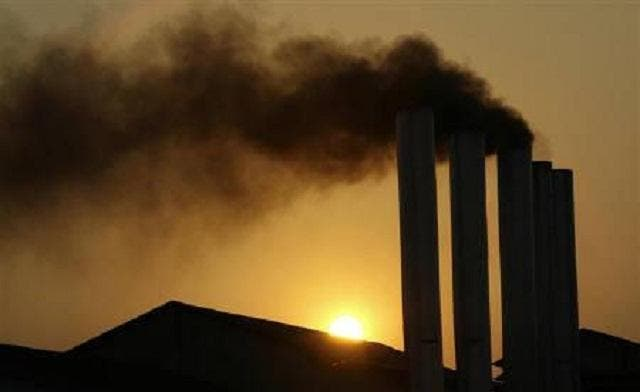 Fossil fuels still account for 80 percent of world energy use, threatening efforts to reduce greenhouse gas emissions that are blamed for global warming. (File photo: Reuters)