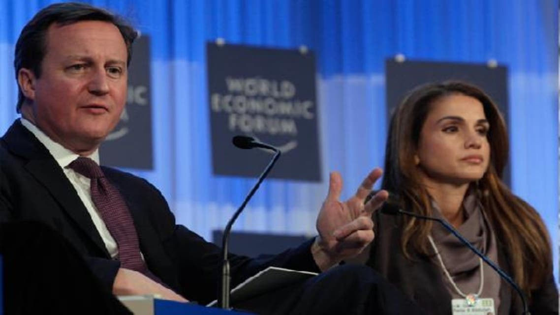 British Prime Minister David Cameron and Queen Rania of Jordan (R) addresses delegates during the annual meeting of World Economic Forum (WEF) in Davos Jan.24, 2013. (AFP)