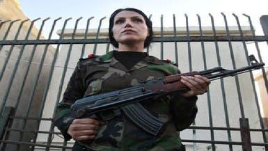 الانشقاق بين الرجال يدفع الأسد للاستعانة بالنساء الشبيحات