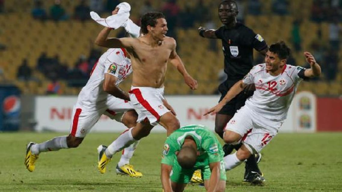 Tunisia's Youssef Msakni (C) celebrates with team mates after scoring against Algeria during their African Nations Cup (AFCON 2013) Group D soccer match in Rustenburg, January 22, 2013. (Reuters)