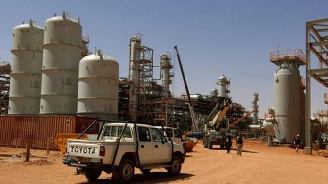 Algerian troops have surrounded the Islamist gunmen who kidnapped workers from the Amenas gas field in Algeria.  (Reuters)