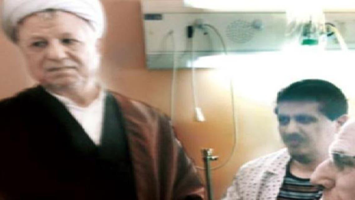 رفسنجانی جیل سے ہسپتال لائے گئے اپنے بیٹے کی خیریت دریافت کر رہے ہیں