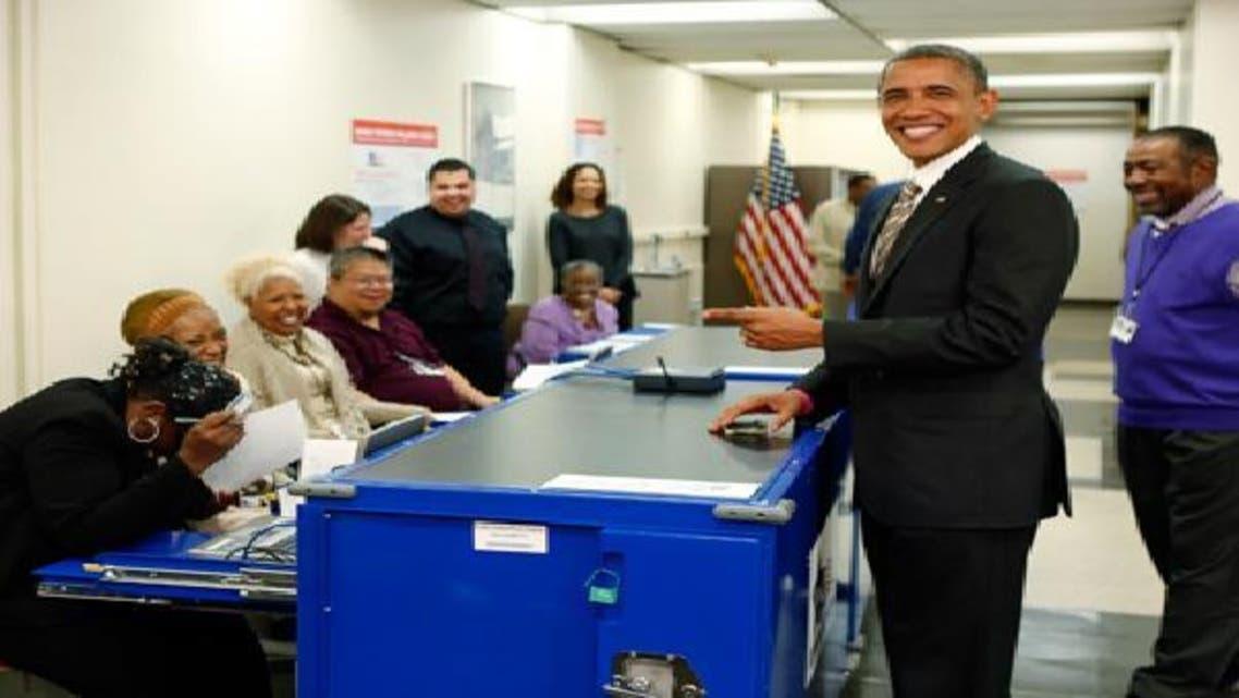 أوباما أول رئيس أمريكي يدلي بصوته قبل يوم الانتخاب