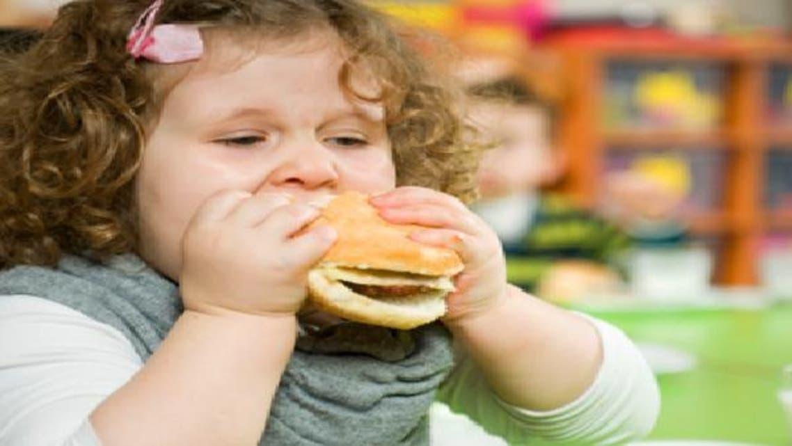 انخفاض مستوى الدهون البنية بالجسم يرتبط بالبدانة