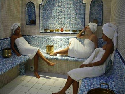 الحمام المغربي وسيلة للحصول على بشرة بيضاء
