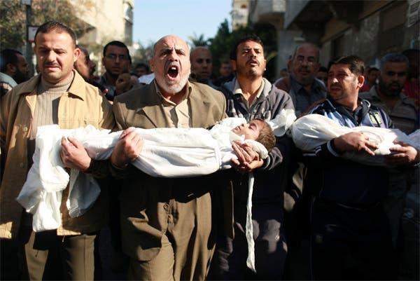جانب من تشييع ضحايا الغارات الجوية الاسرائيلية على غزة