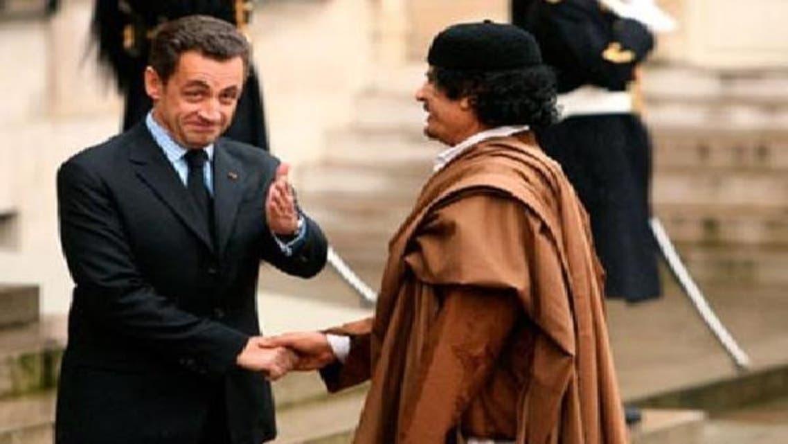 فرانس کے سابق صدر نیکولا سارکوزی کی مقتول معمر قذافی کے ساتھ 2007ء میں ملاقات کی ایک تصویر