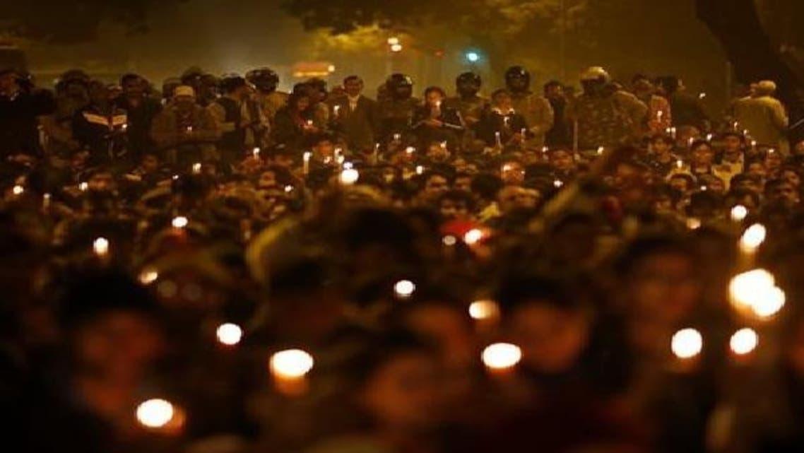 سول سوسائٹی کی تنظمیں شمعیں جلا کر متاثرہ خاندان سے اظہار یک جہتی کر رہی ہیں