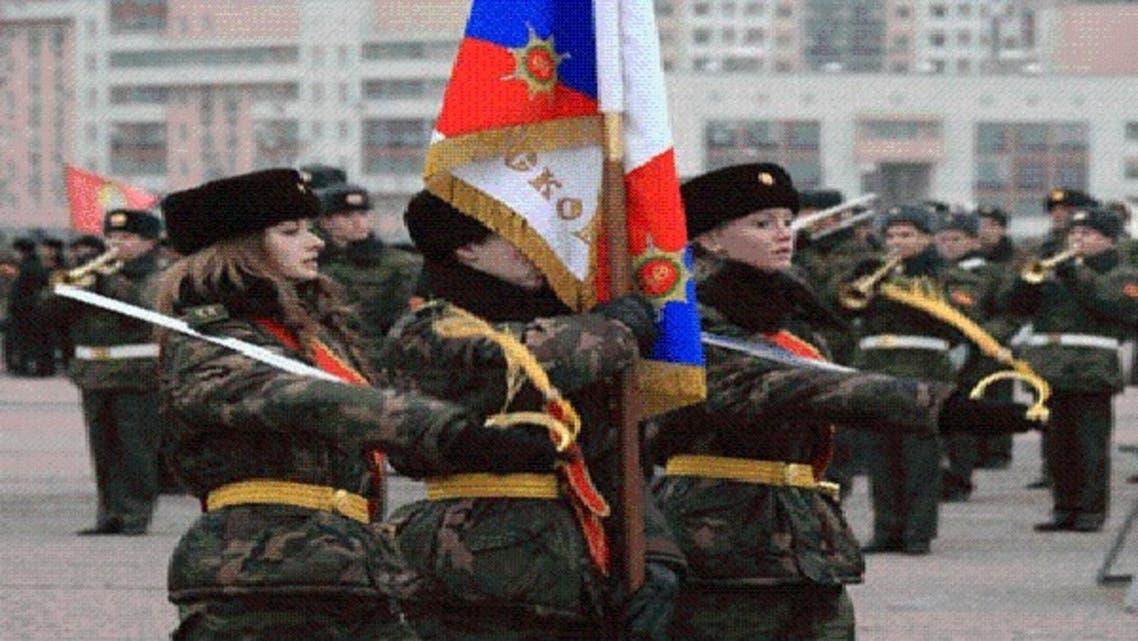روسيا تدرس تجنيد فتياتها في الجيش