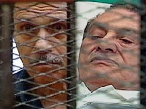 محاميا مبارك والعادلي: نتوقع البراءة أو التأجيل