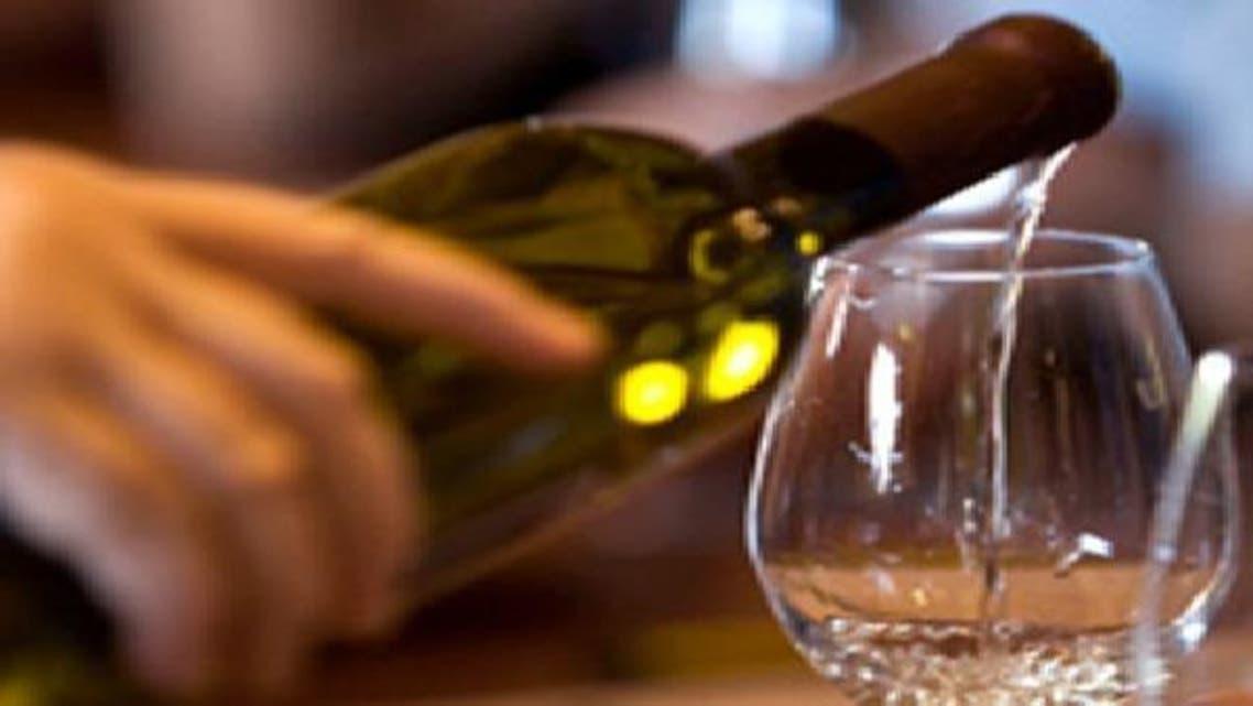 الصين تحظر الخمور في الولائم العسكرية للحد من الفساد