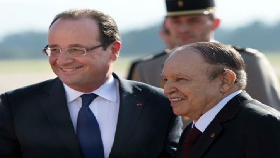الجزائری صدر فرانسیسی ہم منصب فرانسو اولاند کو خوش آمدید کہہ رہے ہیں