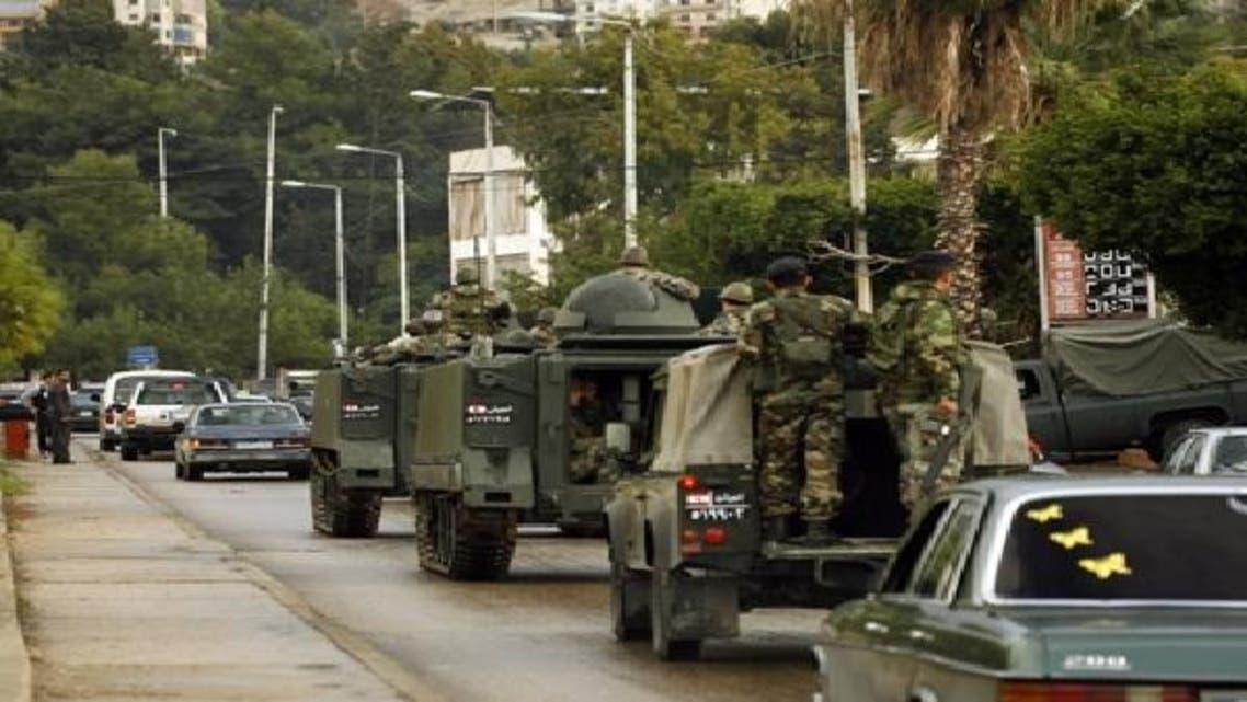 لبنانی فوج صیدا میں گشت کر رہی ہے