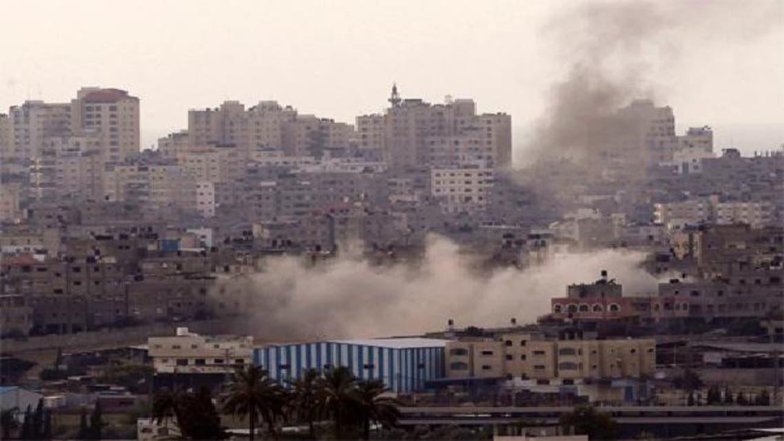 غزہ میں اسرائیلی حملے کی جگہ سے دھواں اٹھ رہا ہے