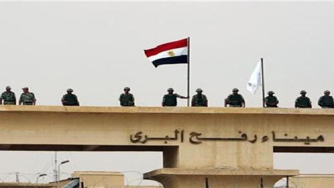 """مصر تفتح معبر رفح \\""""على مدار الساعة\\"""" عقب قصف غزة"""