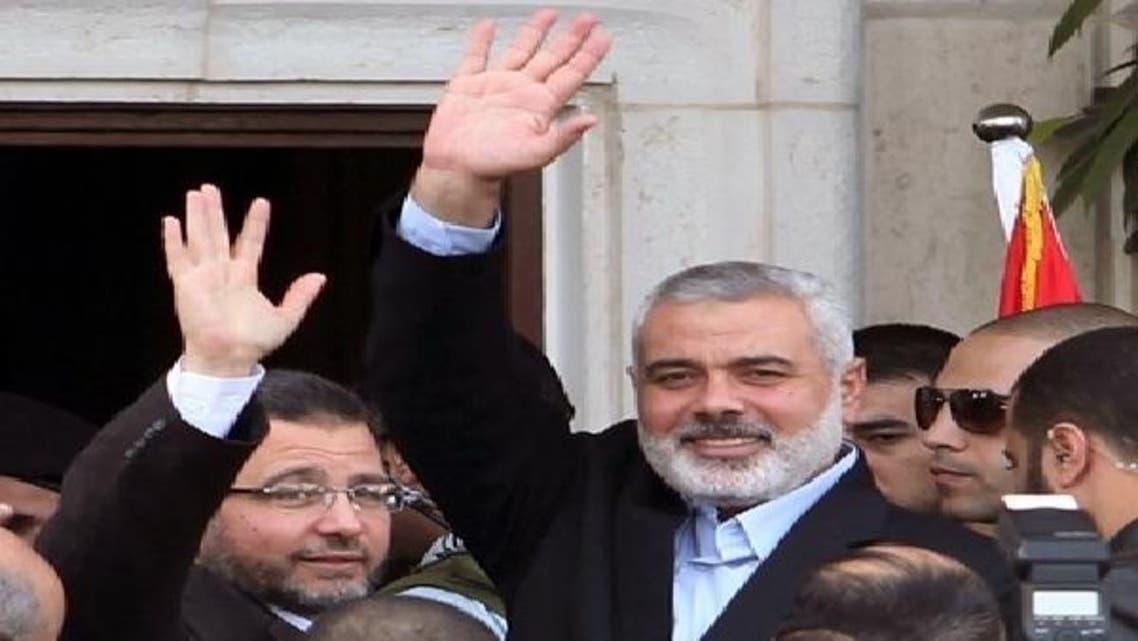 مصری وزیر اعظم ہشام قندیل اپنے فلسطینی ہم منصب اسماعیل ہنیہ کے ہمراہ