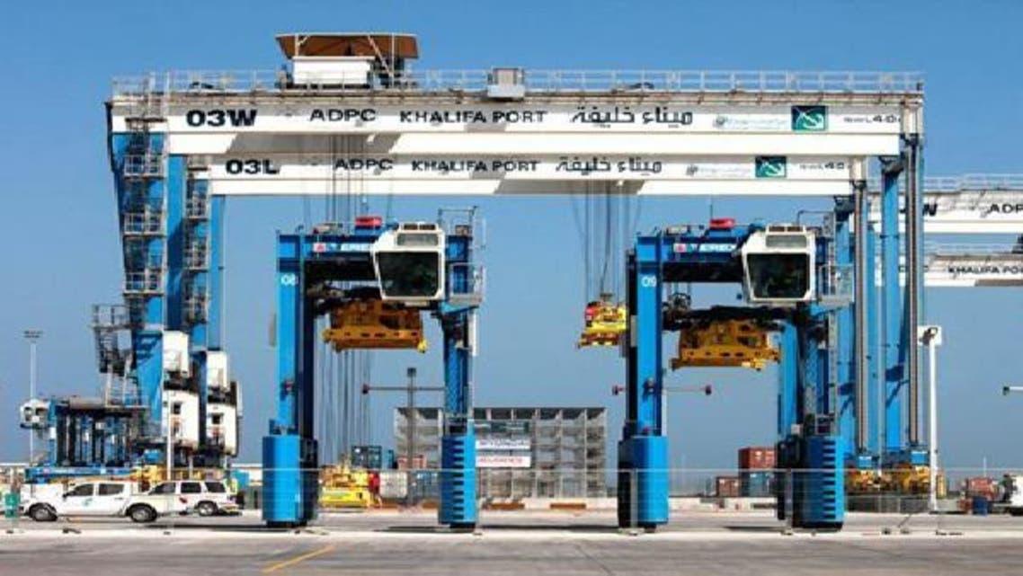 يعتبر ميناء خليفة أحد أكبر مشاريع البنى التحتية في الإمارات