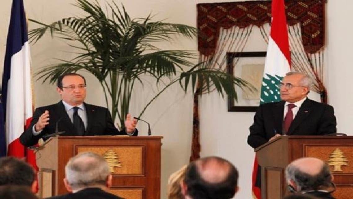 لبنانی صدر  [دائیں] اپنے فرانسیسی ہم منصب کے ہمراہ بیروت میں نیوز کانفرنس کے دوران