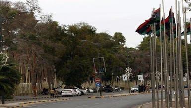 مسلحون يقتحمون مقر البرلمان الليبي ويسيطرون عليه