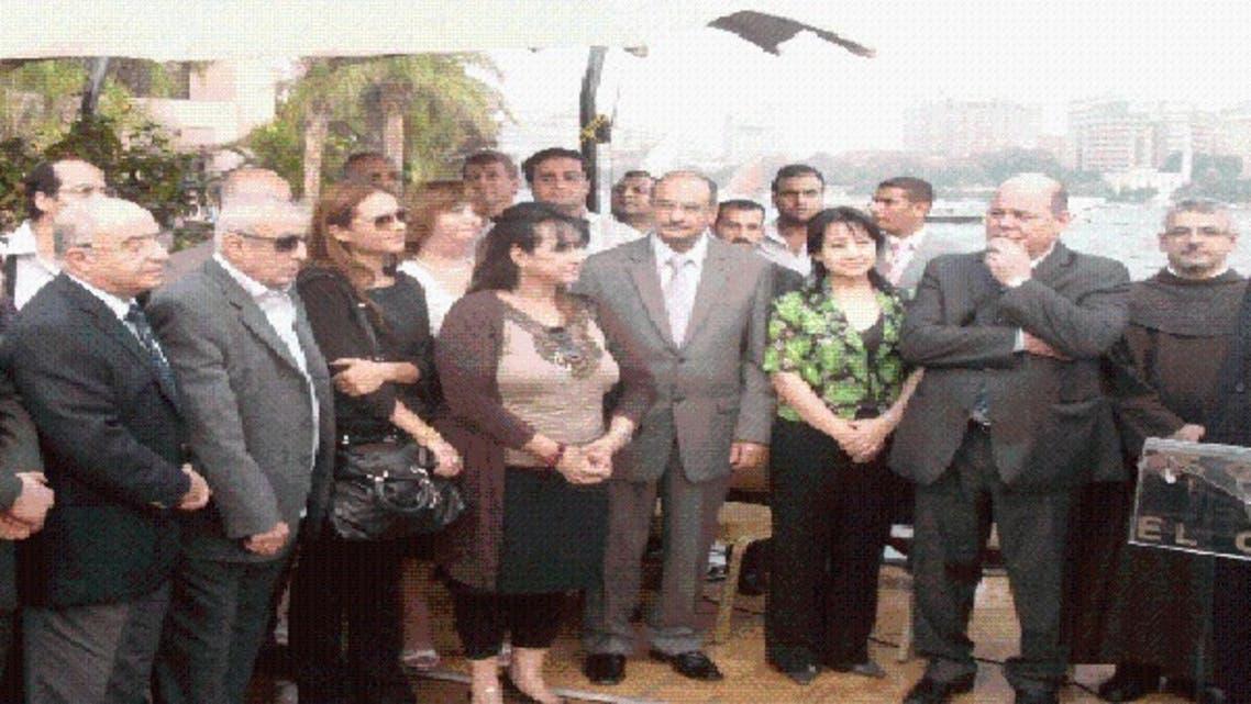 وزير الثقافة يحث الفنانين على التعبير عن هوية مصر