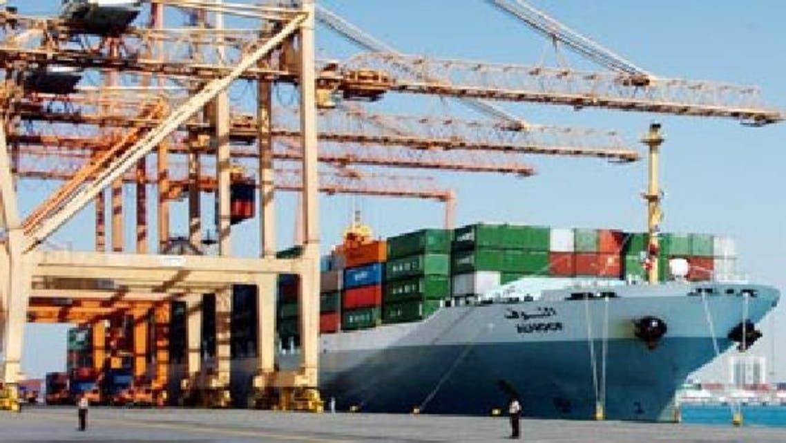 بضائع تدخل السعودية عبر ميناء الدمام
