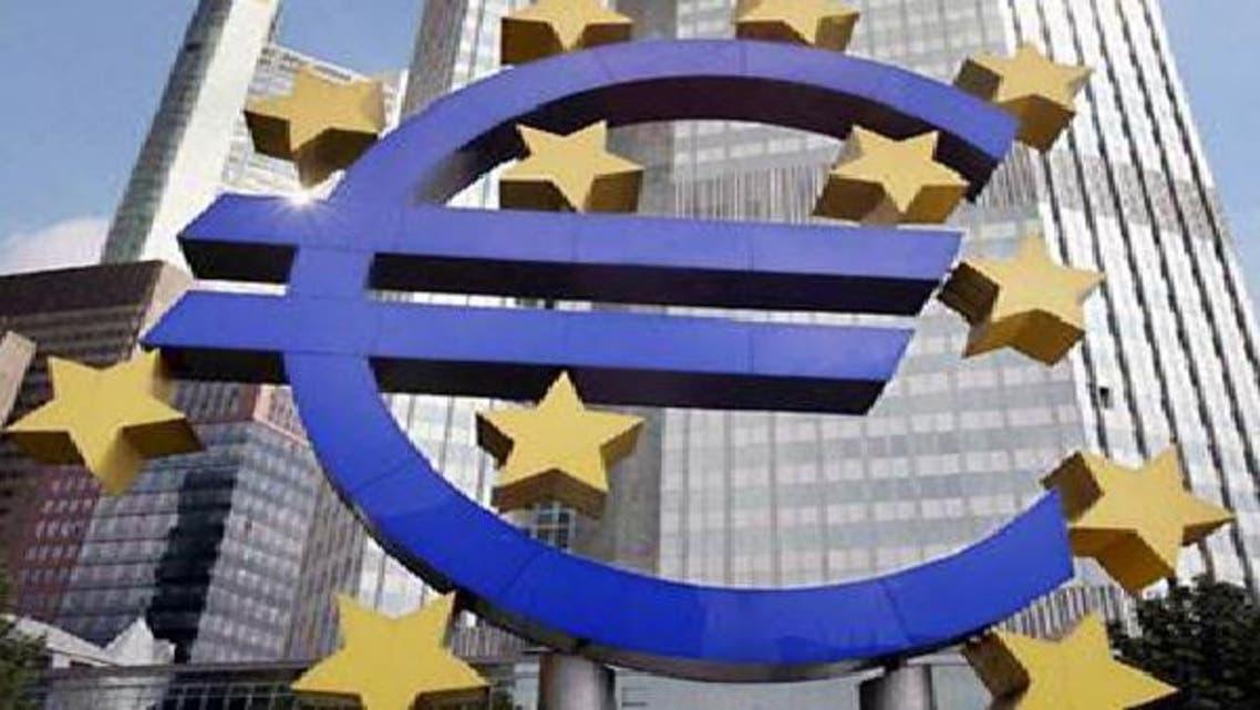 اليورو يسجل خسائر وسط مخاوف بشأن اليونان وأمريكا